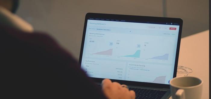 Hvordan kan HubSpot gjøre din jobbhverdag enklere?