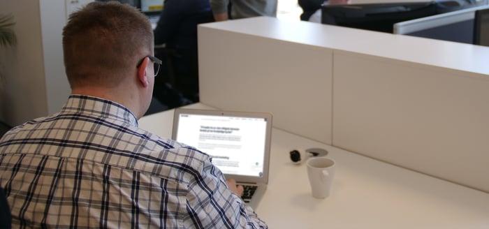 Hvordan kan du outsource tekstproduksjon?